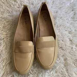 Life Stride Flats Size 8